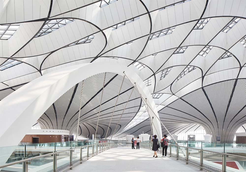 Η Zaha Hadid απογειώνει το νέο αεροδρόμιο του Πεκίνου