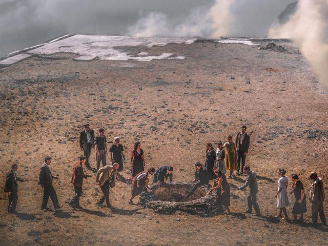 """""""Η Μεγάλη Πλατεία"""" σε σκηνοθεσία Ελένης Ευθυμίου στη Μονή Λαζαριστών"""