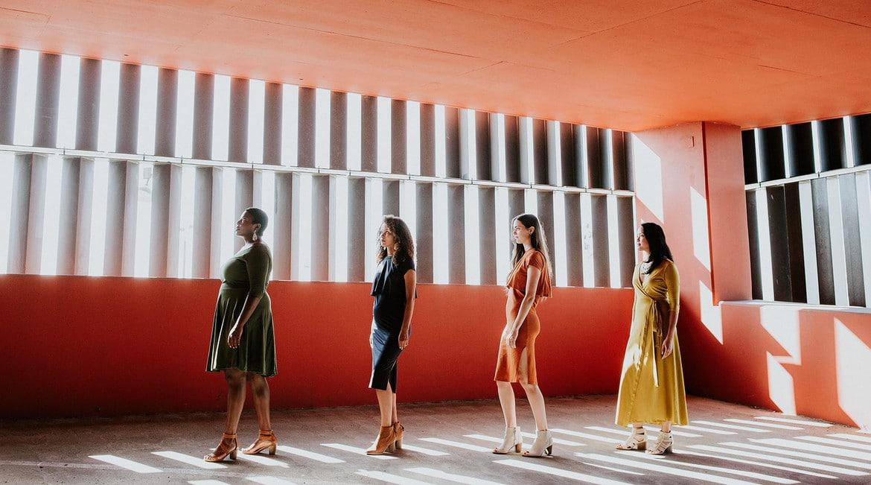 Dressember: Μπορεί ένα φόρεμα να αλλάξει τον κόσμο;