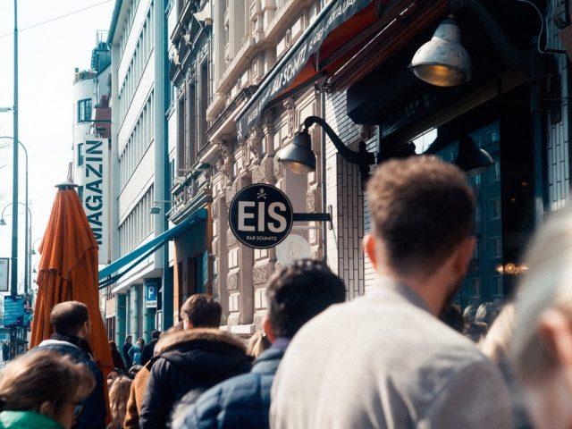 Η Παγκόσμια Ημέρα Αγοραστικής Αποχής έρχεται σαν αντίδοτο στην Black Friday