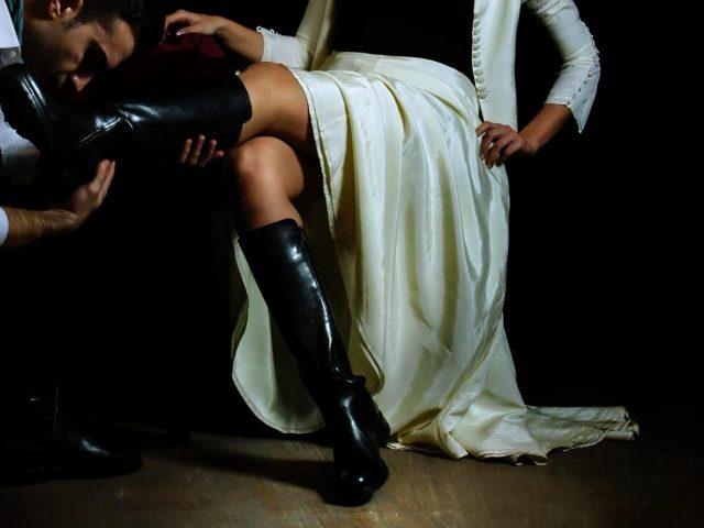 """Συνεχίζεται η """"Δεσποινίς Τζούλια"""" στο Θέατρο Τ με επιπλέον παραστάσεις μέσα στις γιορτές"""