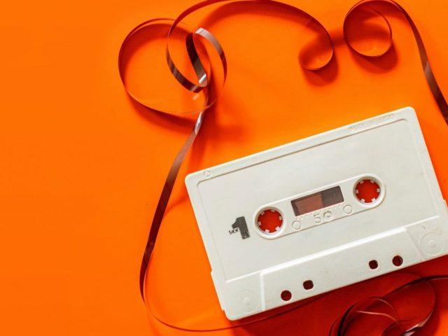 Το Anti-Christmas Mixtape που έχεις ανάγκη αυτές τις μέρες