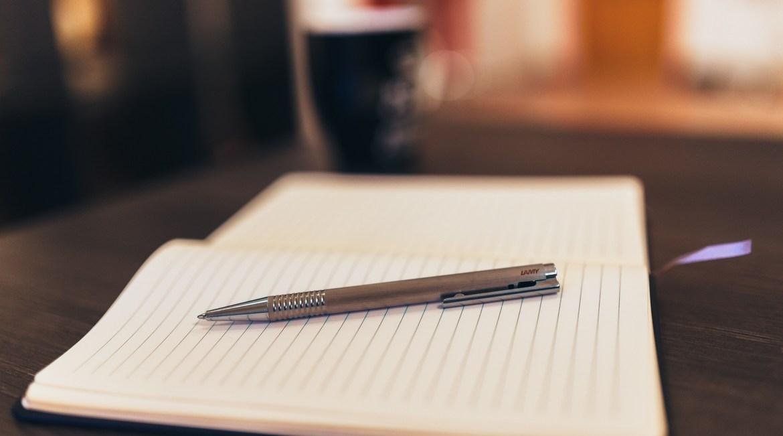 Μήπως να ξεκινούσες ένα scrapbook μόνο με λέξεις;