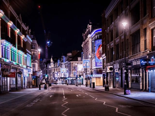 Ένα άδειο Λονδίνο μέσα από τις φωτογραφίες του Jan Enkelmann