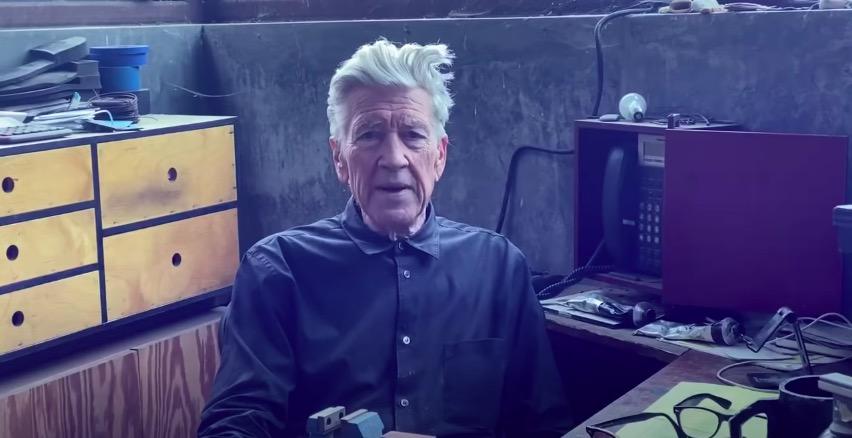 Σταμάτα ό,τι κάνεις και παρακολούθησε τον David Lynch να λέει τον καιρό