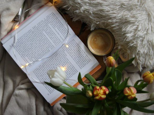 Τα βιβλία του Μάη: Οι νέες κυκλοφορίες των εκδοτικών οίκων