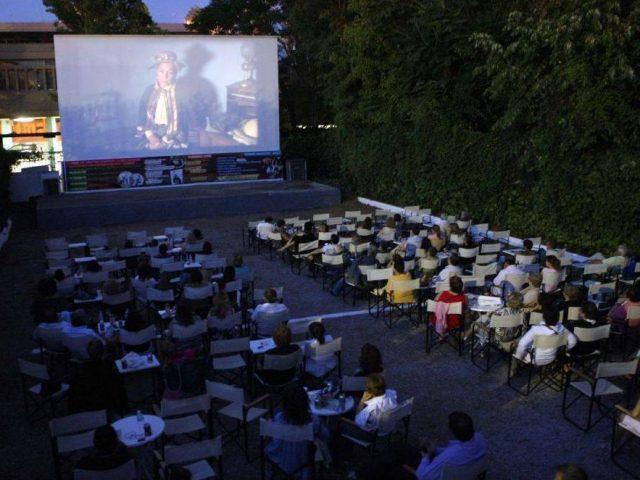 20 κινηματογραφικές επιτυχίες στα θερινά σινεμά του Δήμου Νεάπολης-Συκεών