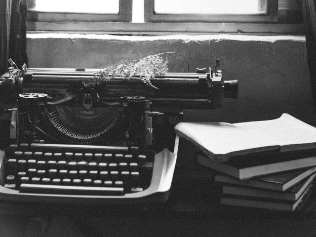 Οι πιο περίεργες συνήθειες διάσημων συγγραφέων