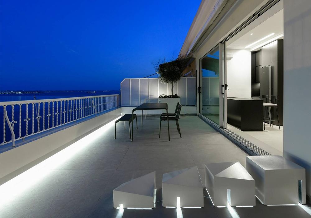 Μια ξενάγηση στο διάφανο διαμέρισμα της πλατείας Αριστοτέλους