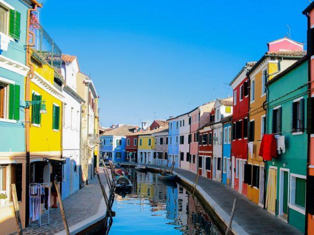 10+1 από τις πιο πολύχρωμες περιοχές στον κόσμο
